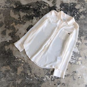 NWOT Guess Collared Button Up Shear Long Sleeve